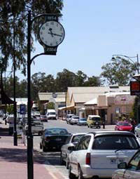 Mannum-clock-river-Murray